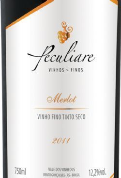 Vinho Brasileiro Peculiare D.O. Merlot 2012 750ml